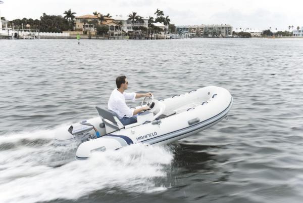 full_electric-boat-1024x684.jpg
